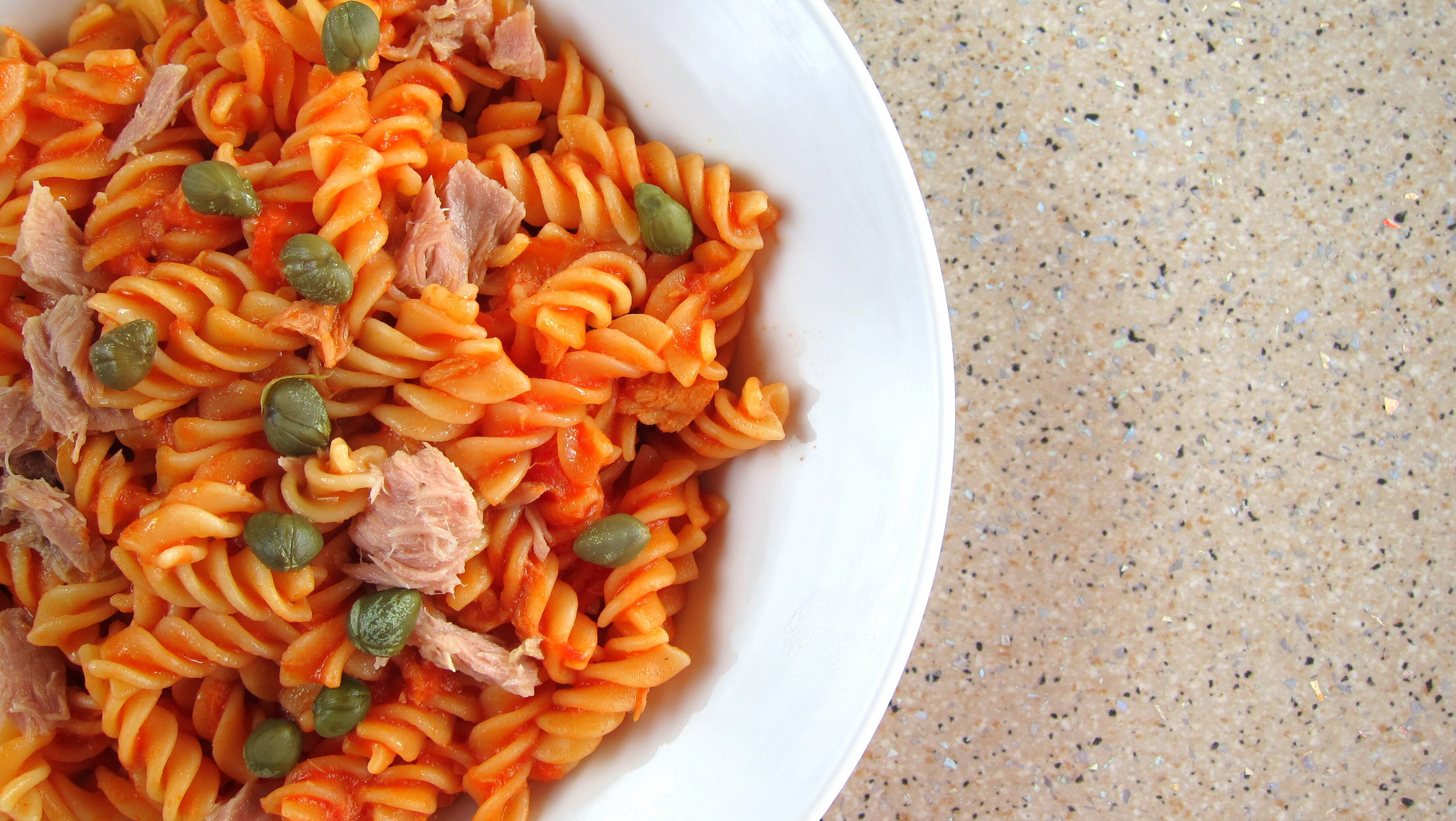 Quick pressure cooked pasta with tuna and capers hip for Tuna fish pasta