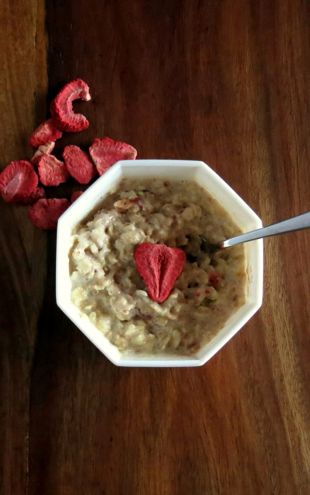 Pressure Cooker Strawberries & Cream Oatmeal