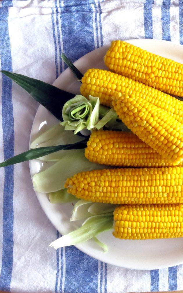 EASY Corn on the Cob Pressure Cooker Recipe